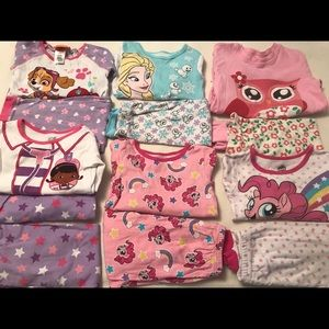 Pajamas - 🎀Toddler Girls Pajama Sets In 4T🎀